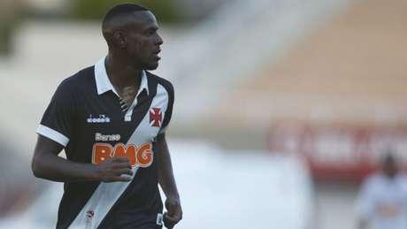 Aos 20 anos, Ulisses tem briga difícil no setor defensivo do Cruz-Maltino (Fernando Roberto / Agência Futpress)