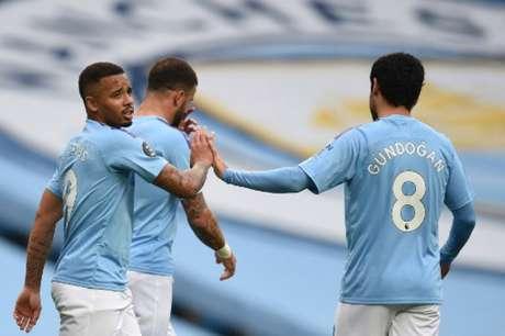 Gabriel Jesus marcou o primeiro gol da partida (Foto: OLI SCARFF / POOL / AFP)