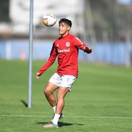 Meia José Aldo, que pertence ao Guarani-SC e estava emprestado ao Inter, não teve seu contrato renovado e acertou empréstimo para o Portimonense (Foto: Divulgação/José Aldo)