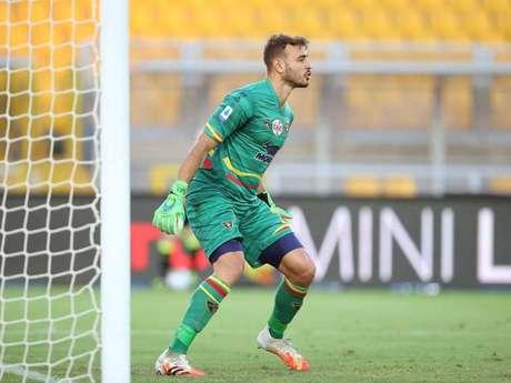 Gabriel Vasconcelos fez defesas importantes e ajudou o Lecce a sair com a vitória por 2 a 1 (Foto: Divulgação/Lecce)