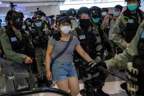 Mesmo com imposição da nova lei, cidadãos continuam a fazer protestos contra a China