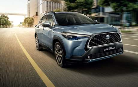 Corolla Cross, Toyota's future medium-sized SUV, also debuted in Asia with a controversial lead.