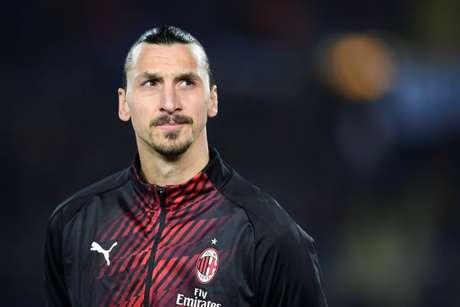 Em entrevista, Ibrahimovic deixa permanência incerta no Milan para a próxima temporada (Foto: MIGUEL MEDINA / AFP)