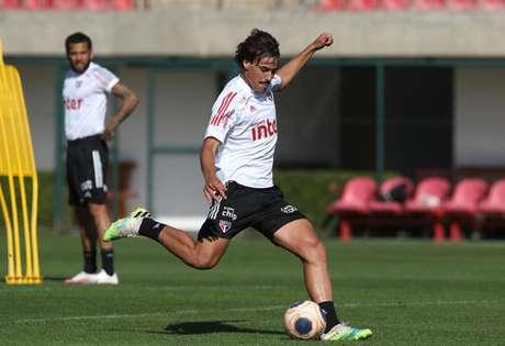 Igor Gomes durante treino nesta quinta, primeiro dia de retiro em Cotia - FOTO: Rubens Chiri/saopaulofc.net