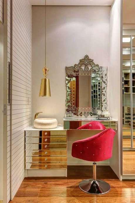 2. Penteadeira com sapateira espelhada – Via: Pinterest
