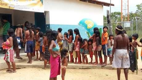 Fila para vacinação de crianças indígenas no Distrito Sanitário Especial Indígena (DSEI) Tocantins
