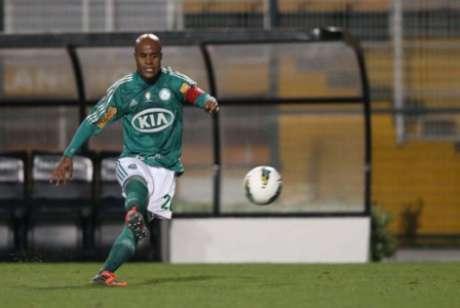 O dono da bola parada: cobrando faltas, Marcos Assunção marcou gols importantes pelo Palmeiras (Foto: Tom Dib/Lancepress!)