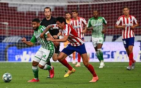 Atlético de Madrid chegou aos 66 pontos e estará na próxima Champions League (Foto: GABRIEL BOUYS / AFP)