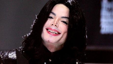 Michael Jackson se recusava a buscar tratamento para uma doença dermatológica nos pés