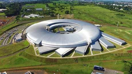 Sirius faz primeiras imagens do coronavírus  - Sirius, acelerador de partículas brasileiro.