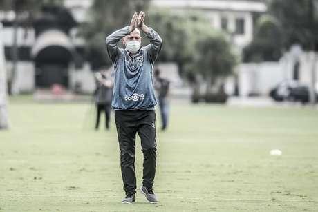 Jesualdo criticou a CBF pela falta de atenção aos clubes paulistas (Foto: Ivan Storti/Santos FC)