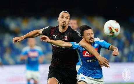 Napoli e Milan somam apenas um ponto (Foto: Divulgação / Milan / Site oficial)
