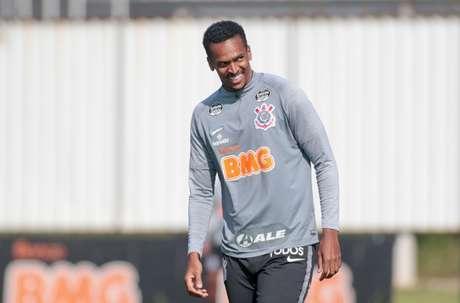 Jô tem treinado com o Corinthians desde a volta do futebol (Foto: Rodrigo Coca/Ag. Corinthians)