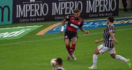 O passe de Gabriel Barbosa para a finalização de Michael no Fla-Flu de domingo (Foto: Alexandre Vidal/Flamengo)
