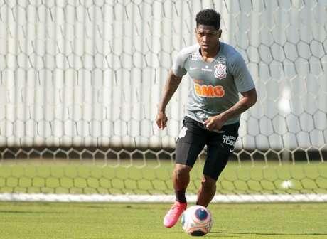 Yony González permanece treinando com o elenco, apesar da indefinição (Foto: Rodrigo Coca/Ag. Corinthians)