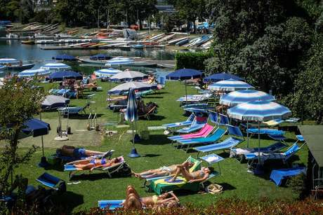 Movimentação em parque de Milão, na Itália, em 12 de julho