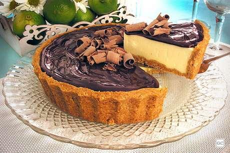 Guia da Cozinha - 9 Receitas de torta de limão com chocolate que são dignas de confeitaria