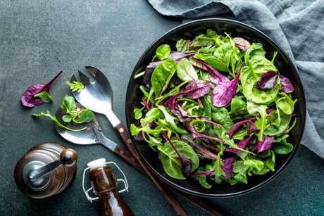 Guia da Cozinha - 5 dicas para conservar hortaliças e ter uma salada mais fresca