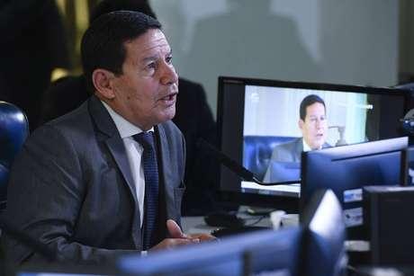 """Mourão afirmou que ogoverno tem mostrado """"de forma firme"""" seu compromisso com o combate às ilegalidades na Amazônia Legal."""