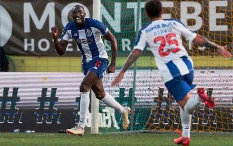 Marega é um dos destaques do Porto, que poderá sagrar-se campeão nacional nesta quarta (FILIPE AMORIM / AFP)
