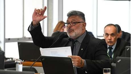 O deputado federal Alexandre Frota, que apoiou Bolsonaro, mas rompeu com o governo e se tornou um dos principais personagens da CPMI das Fake News; para Brito Cruz, ela foi impelida pelos mesmos motivos que deram impulso para o projeto de lei