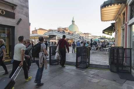 Controle de acesso instalado de forma experimental no centro de Veneza, em abril de 2018