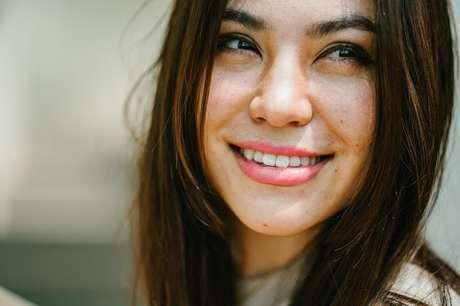 Lentes de porcelana ou faceta de resina: qual o melhor tratamento para o sorriso?