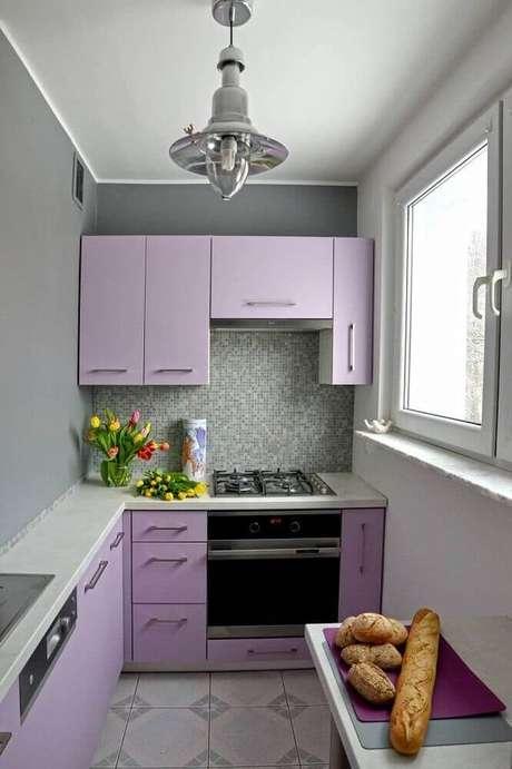 17. Cozinha compacta lilás – Via: Revista VD