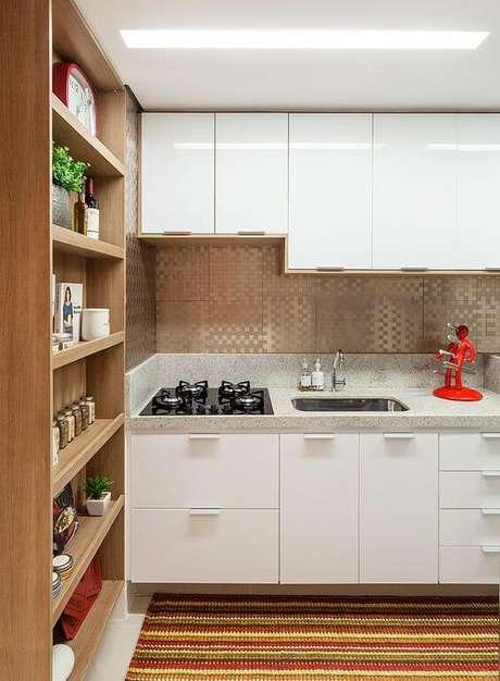 23. Cozinha pequena planejada – Via: Amis arquitetura