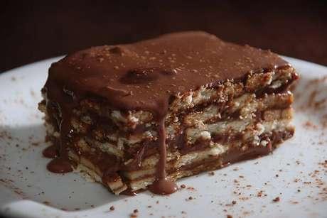 5. Não economize nas camadas do seu pavê de chocolate simples. Fonte: Tudo Gostoso