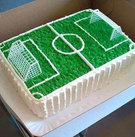 15. Bolo gramado para festa infantil tema futebol. Fonte: Pinterest
