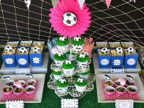 37. Festa tema futebol ideias para as meninas. Fonte: Vila Mulher