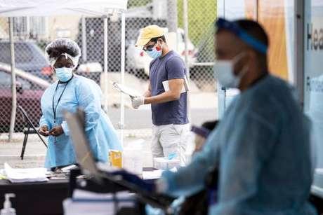 Casos de coronavírus disparam na Califórnia