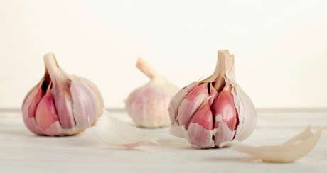 Guia da Cozinha - 6 truques para aproveitar ainda mais o alho na cozinha
