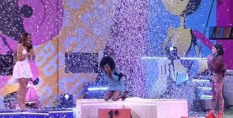Thelma anunciada como vencedora do BBB20: sem plateia, sem convidados, sem eliminados, com apresentador à distância