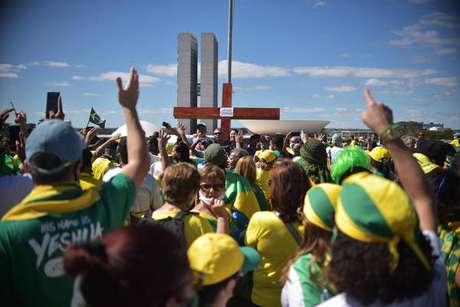 Manifestantes defendem voto impresso em frente ao Planalto