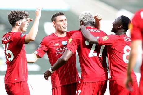 Liverpool vence o Newcastle, de virada, e termina a Premier League com 99 pontos (OWEN HUMPHREYS / POOL / AFP)