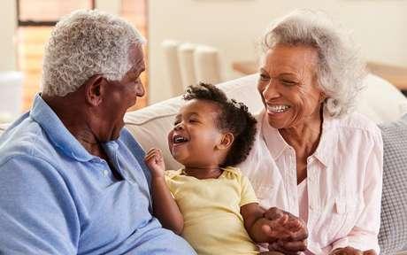 Conheça a personalidade dos avós de cada signo -