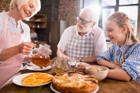 Guia da Cozinha - 9 Receitas nostálgicas para fazer um café da tarde de Vó