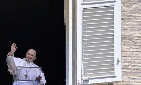 Iniciativa lançada pelo Vaticano se chama 'Todo idoso é seu avô'