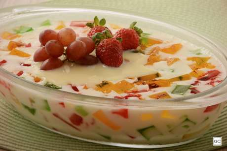 Guia da Cozinha - Receitas de gelatina colorida para fazer e se divertir com o resultado