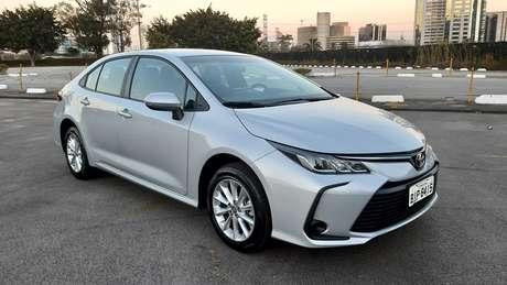 Toyota Corolla GLi 2.0: versão de entrada do sedão japonês já custa R$ 107.990.