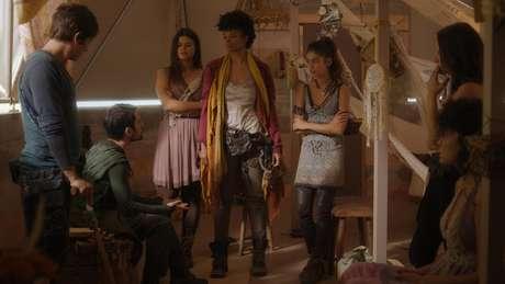 Na última temporada de 3% (Netflix), o conflito entre a Concha e o Maralto está escancarado e uma guerra é iminente.