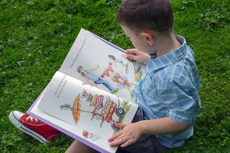 Livro infantil incentiva castigo físico contra crianças