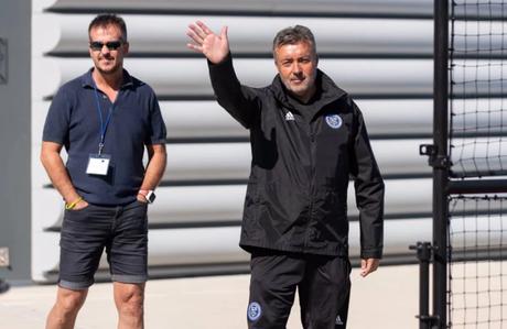 Domenec Torrent é um dos mais cotados para ser o novo treinador do Mengão (Foto: Divulgação)