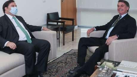 Rodrigo Maia e Jair Bolsonaro tentarão emplacar seus candidatos em disputa na Câmara em 2021
