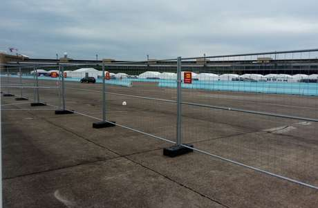 A montagem de pista da Fórmula E em Berlim teve acidente fatal