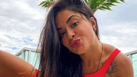 Aline Riscado pode entrar no lugar de Glenda em atração na emissora de Silvio Santos (Reprodução/Instagram)