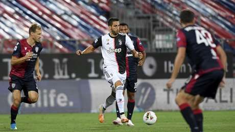 Cagliano e Giovanni Simeone marcaram os gols da vitória do Cagliari sobre a Juventus (Foto: Divulgação/Juventus)