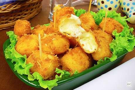 Guia da Cozinha - Queijo empanado é o aperitivo que combina com qualquer ocasião